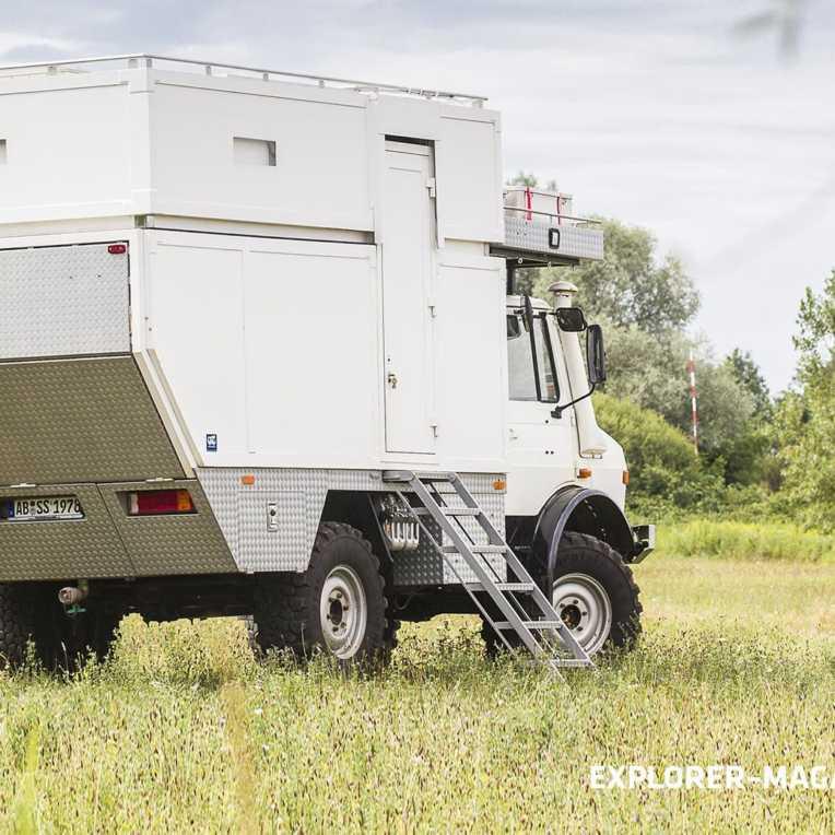 Unimog U1300l mit Hubkabine