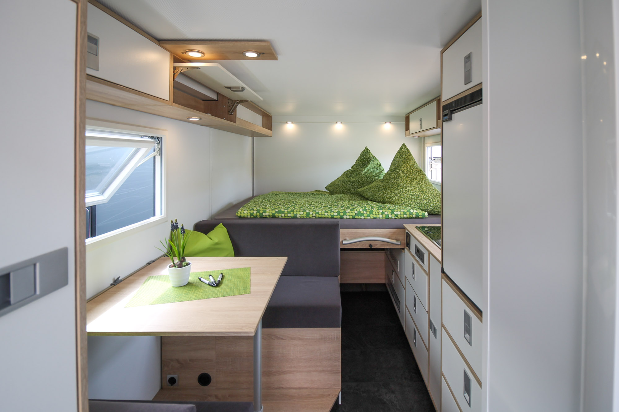 Zepbox Zeppelin Shelter Möbel