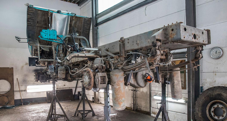 Trockeneisstrahlen Steyr 12M18 LKW Konservierung Unterbodenschutz