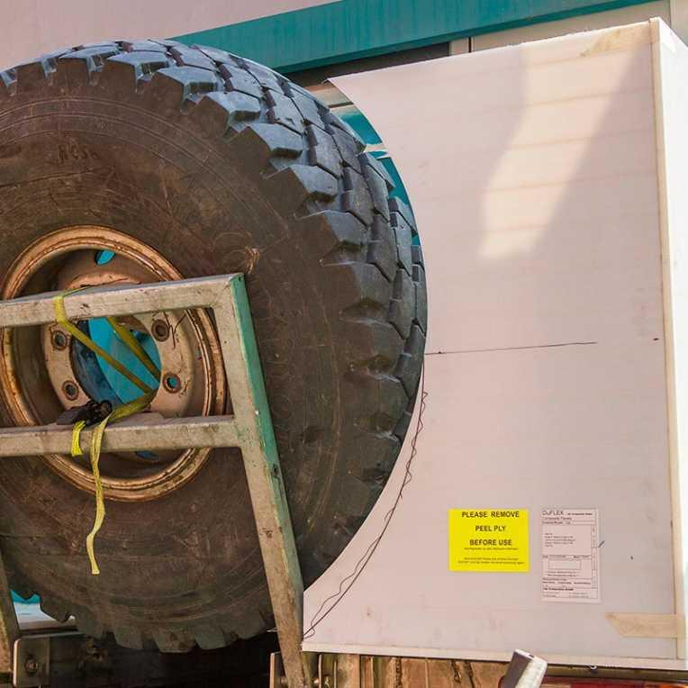 Steyr 12M18 - Ersatzreifen Halter mit zusätzlicher Staubox