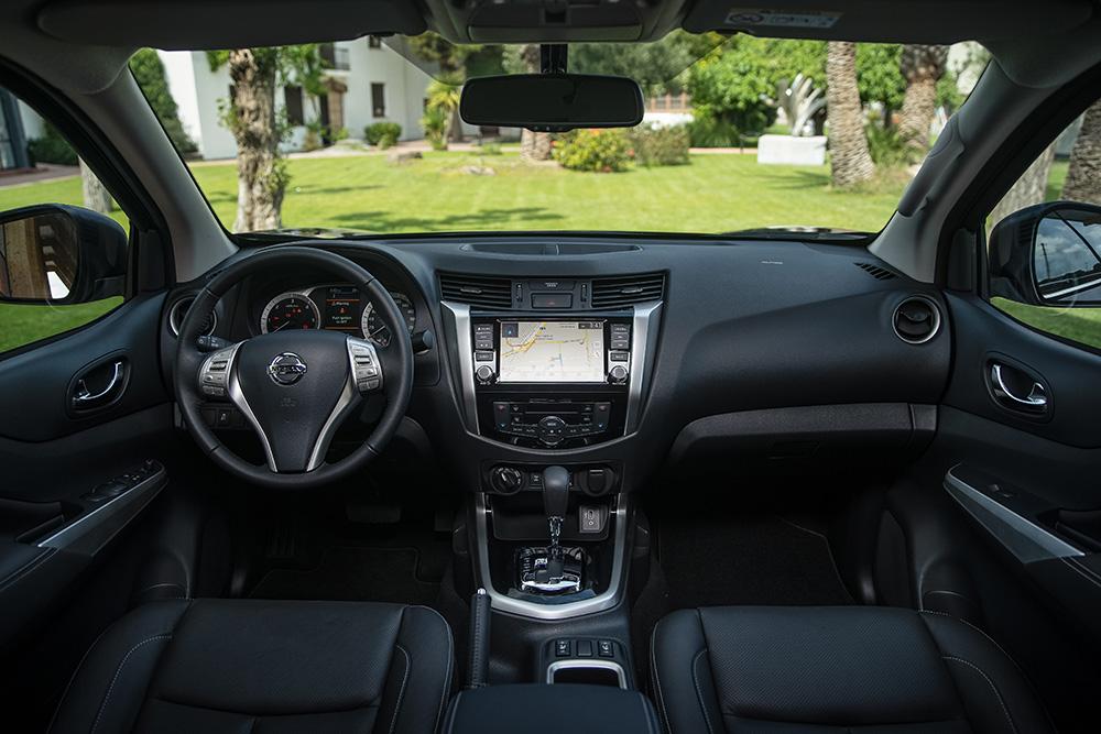 Nissan-Navara-Facelift-Interior