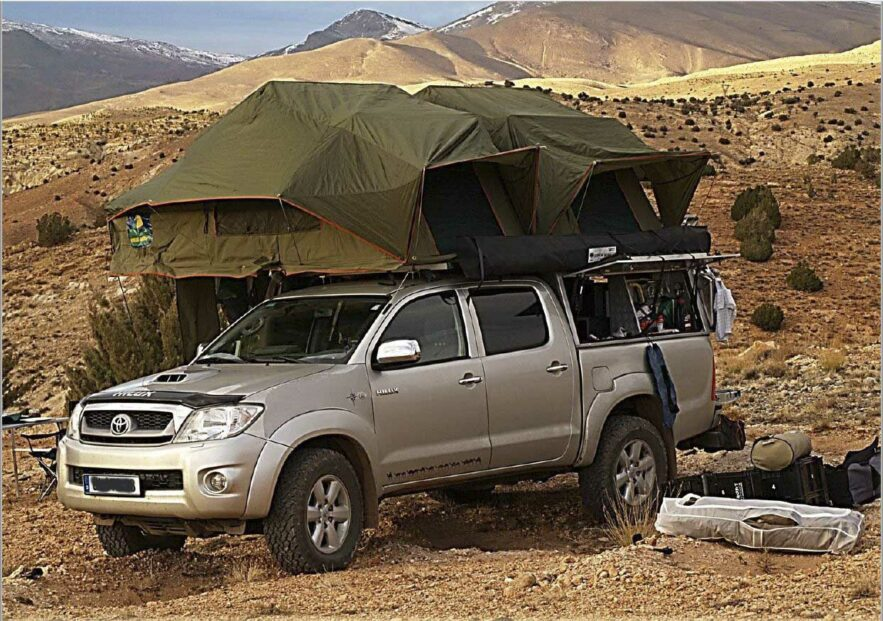 zu verkaufen toyota hilux incl offroad ausbau ein schweizer messer auf r dern explorer magazin. Black Bedroom Furniture Sets. Home Design Ideas