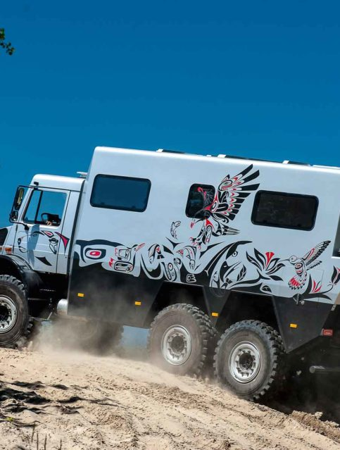LKW-Tattoo_Bunte Motive verschönern das Fahrzeug