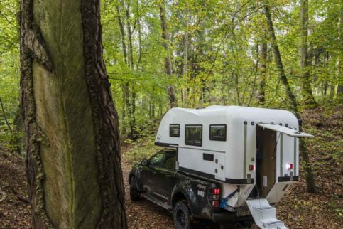 Pickup-Kabine aus Polen: Die Aero One von Camperhit besteht aus einer GFK-Schale