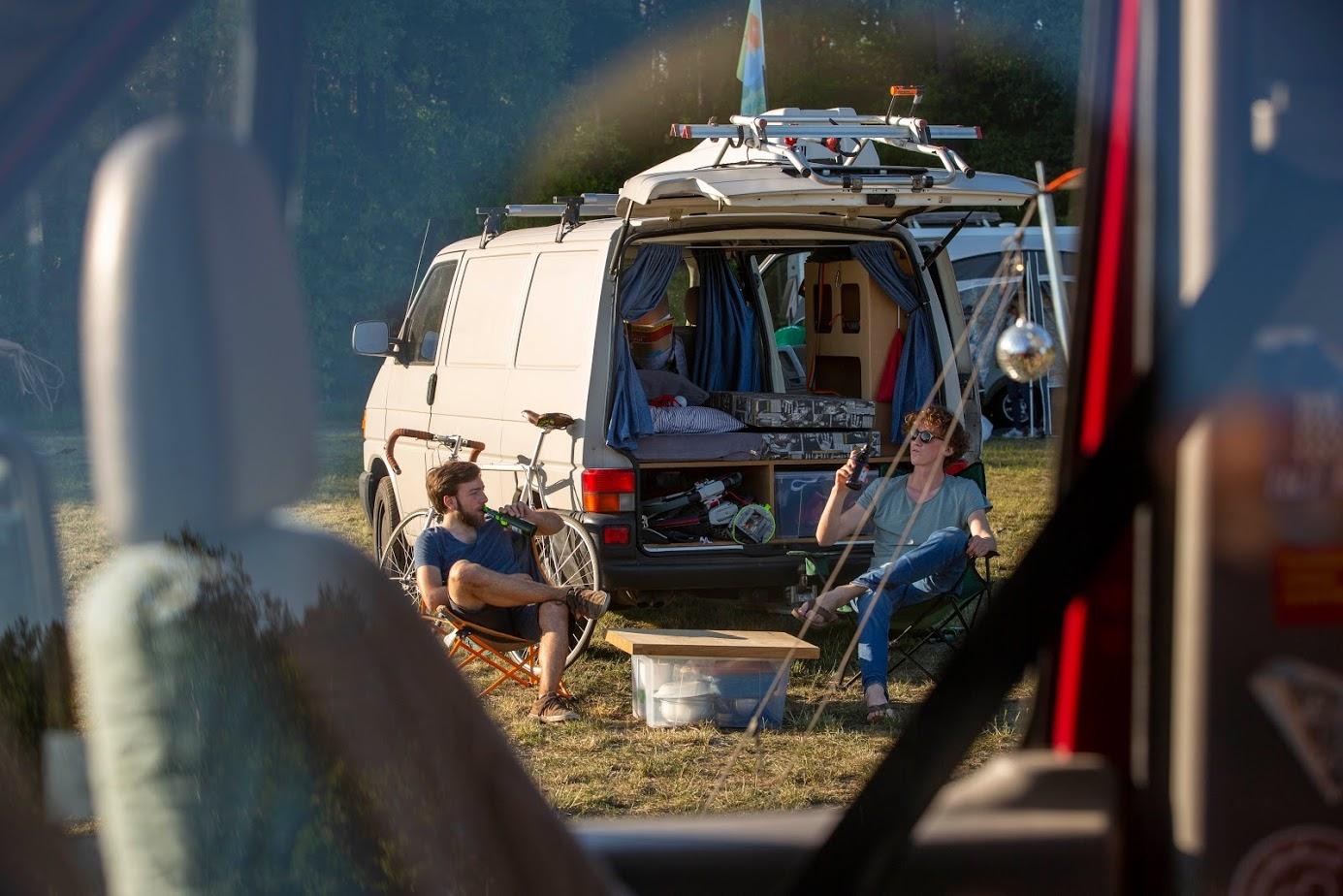 Unkompliziert umnutzen: Vorhandene Flächen entlasten überlaufene Camping- und Stellplätze (Foto: Florian Gebbert)