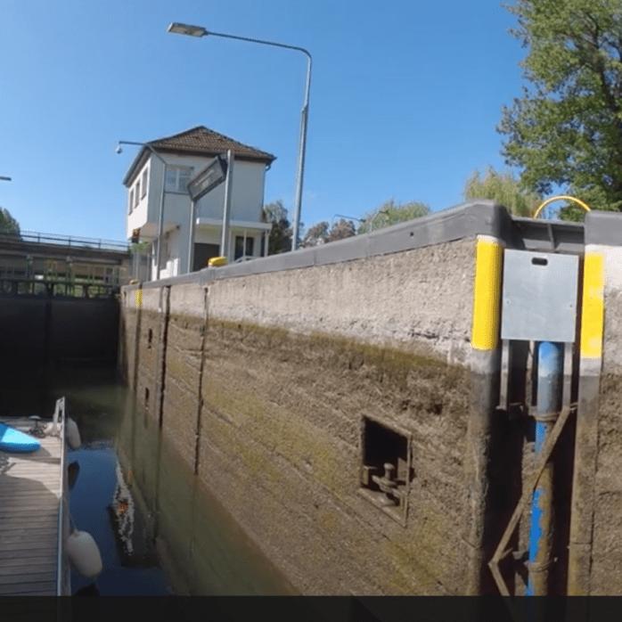 Schleusendurchfahrt in Havel