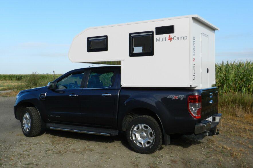 """Die kompakte Absetzkabine """"Willy 140"""" von Multi 4 passt sogar auf Doppelkabiner-Pickups (hier: Ford Ranger)"""